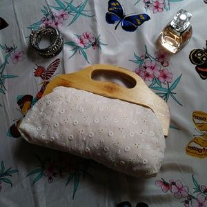 Vintage Bags - Frame Bag Cotton Eyelet Wood Handle Vintage Cream